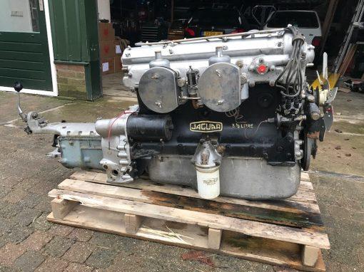Restoration Jaguar XK120 Engine and Gear Box overhaul
